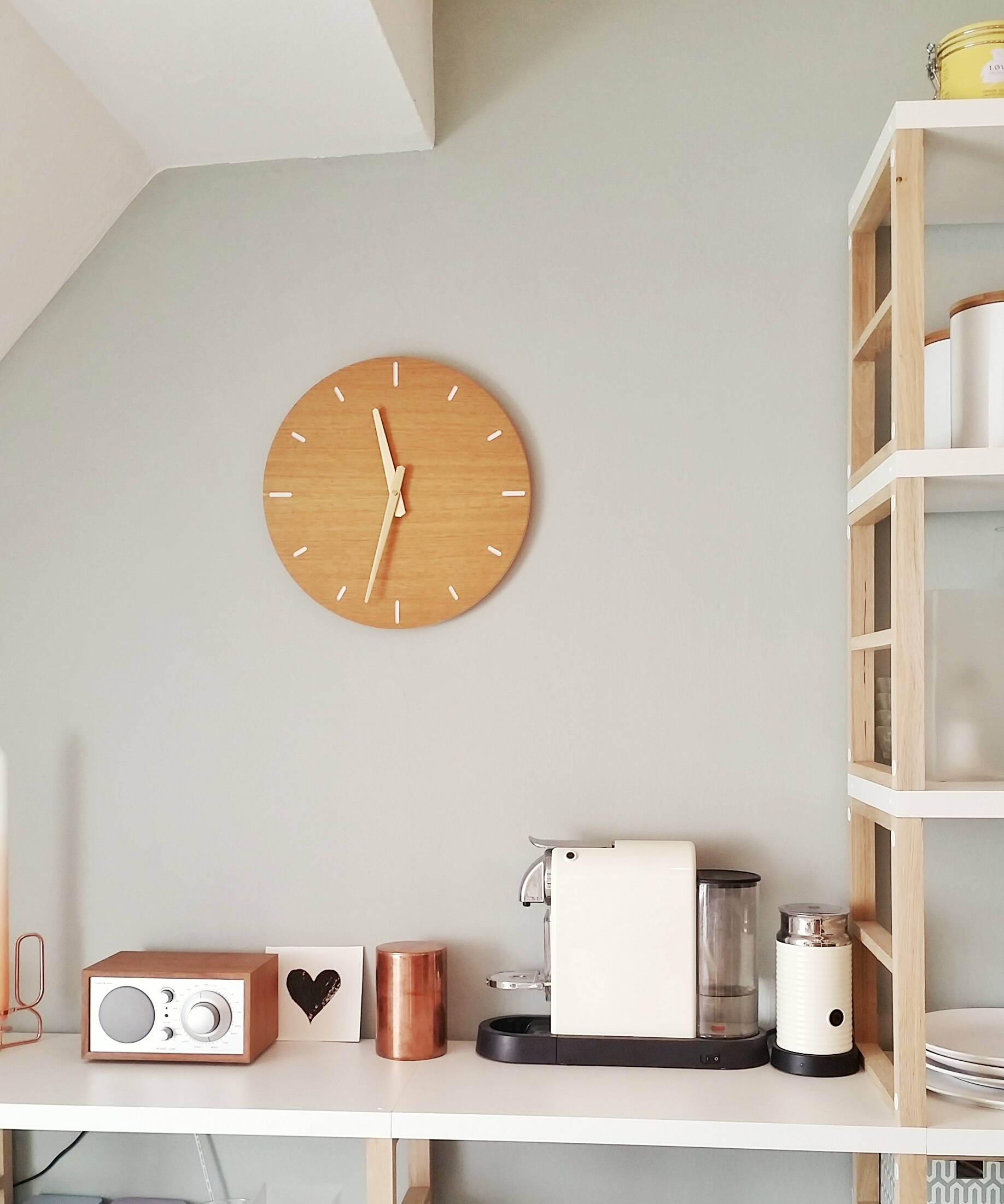wall clock oak kitchen