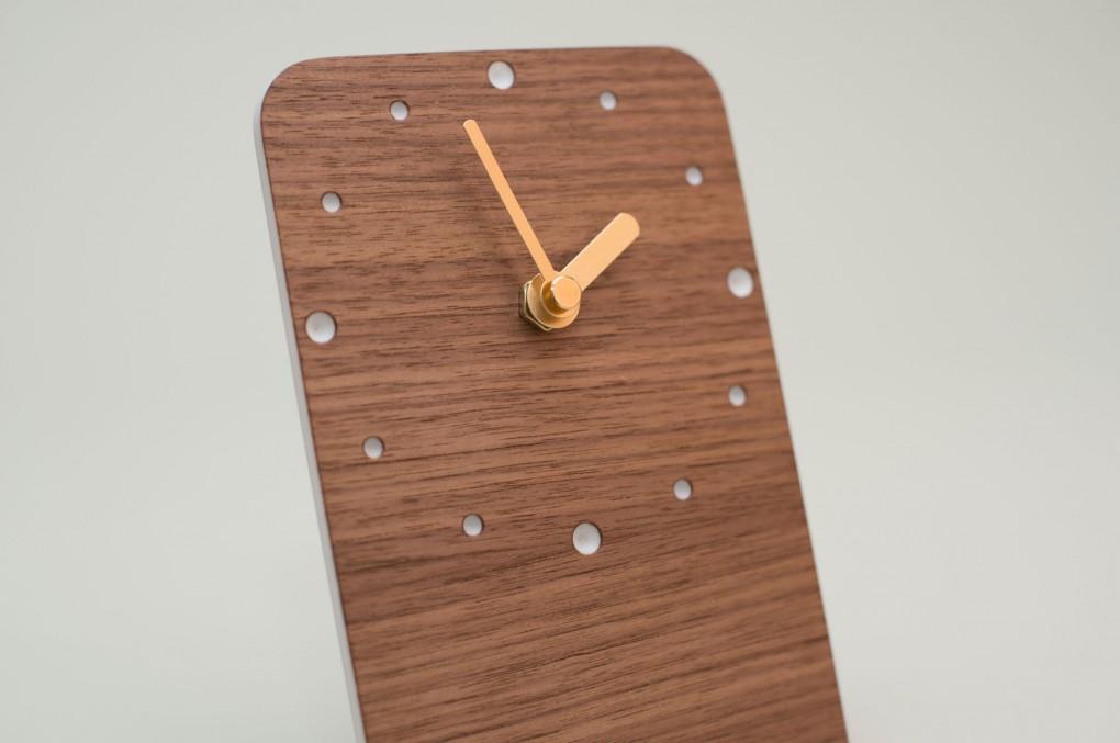 Table Clock Nut Wood